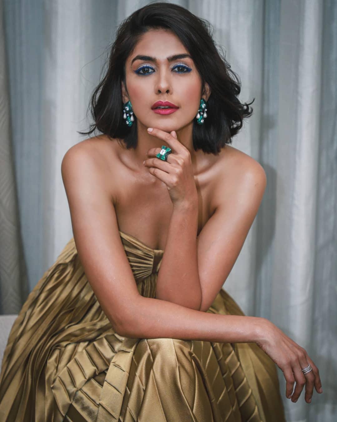 Mrunal Thakur actress images