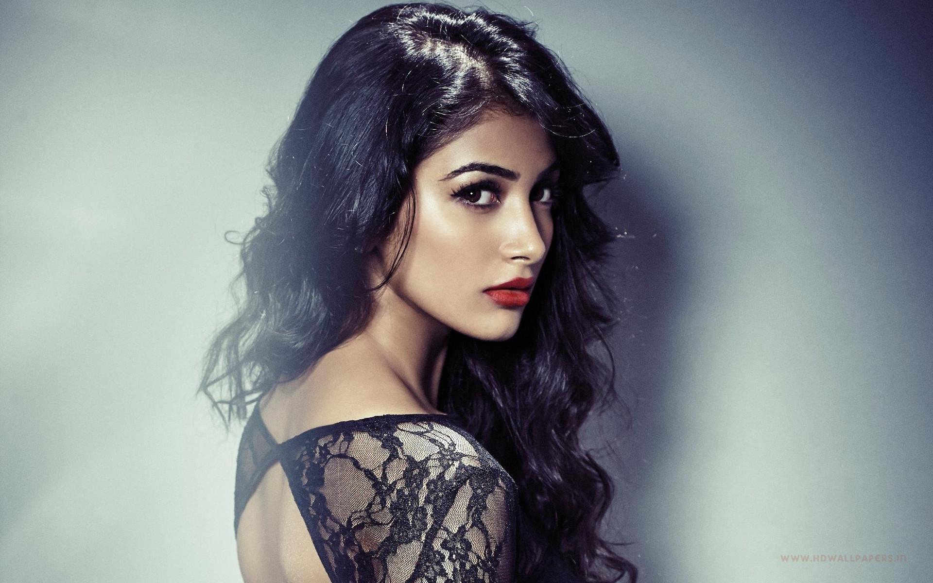 bollywood actress pooja hegde hd wallpaper