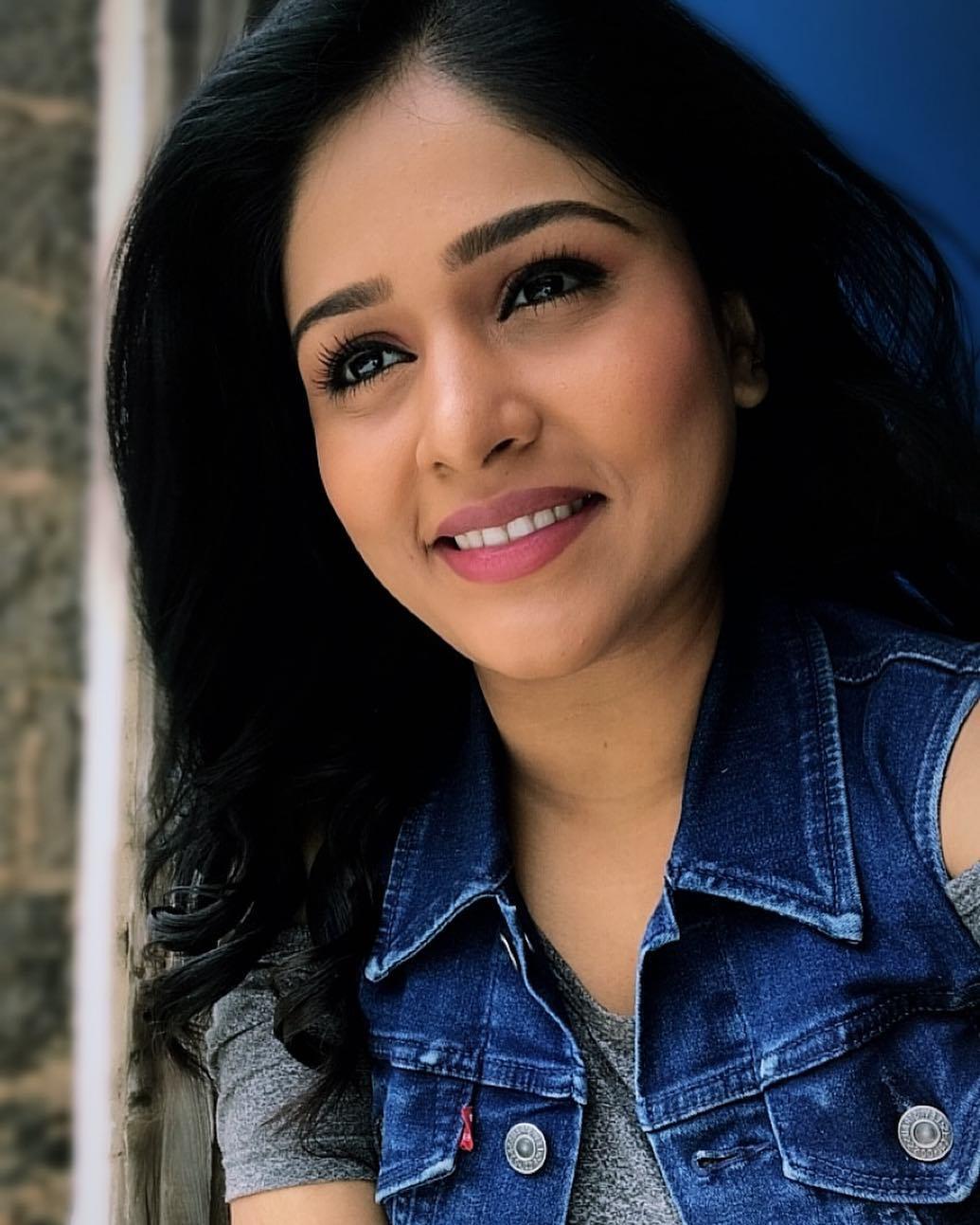 Akshaya Deodhar marathi actress 1