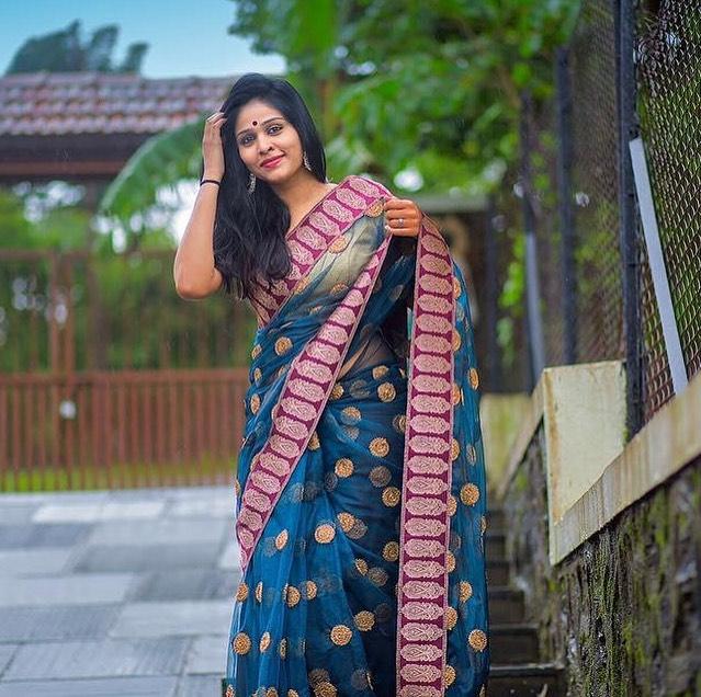 Akshaya Deodhar marathi actress 39