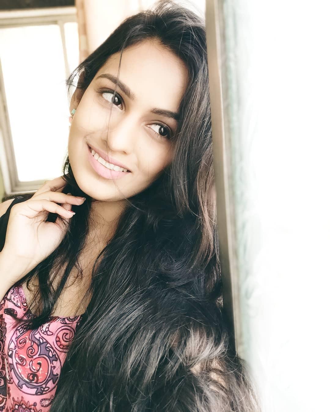 Shivani Baokar marathi actress 5