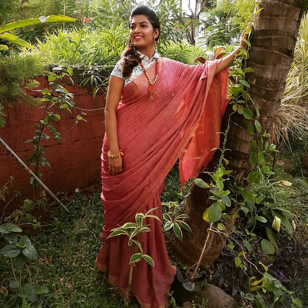 Dhanashri Kadgaonkar marathi actress 18