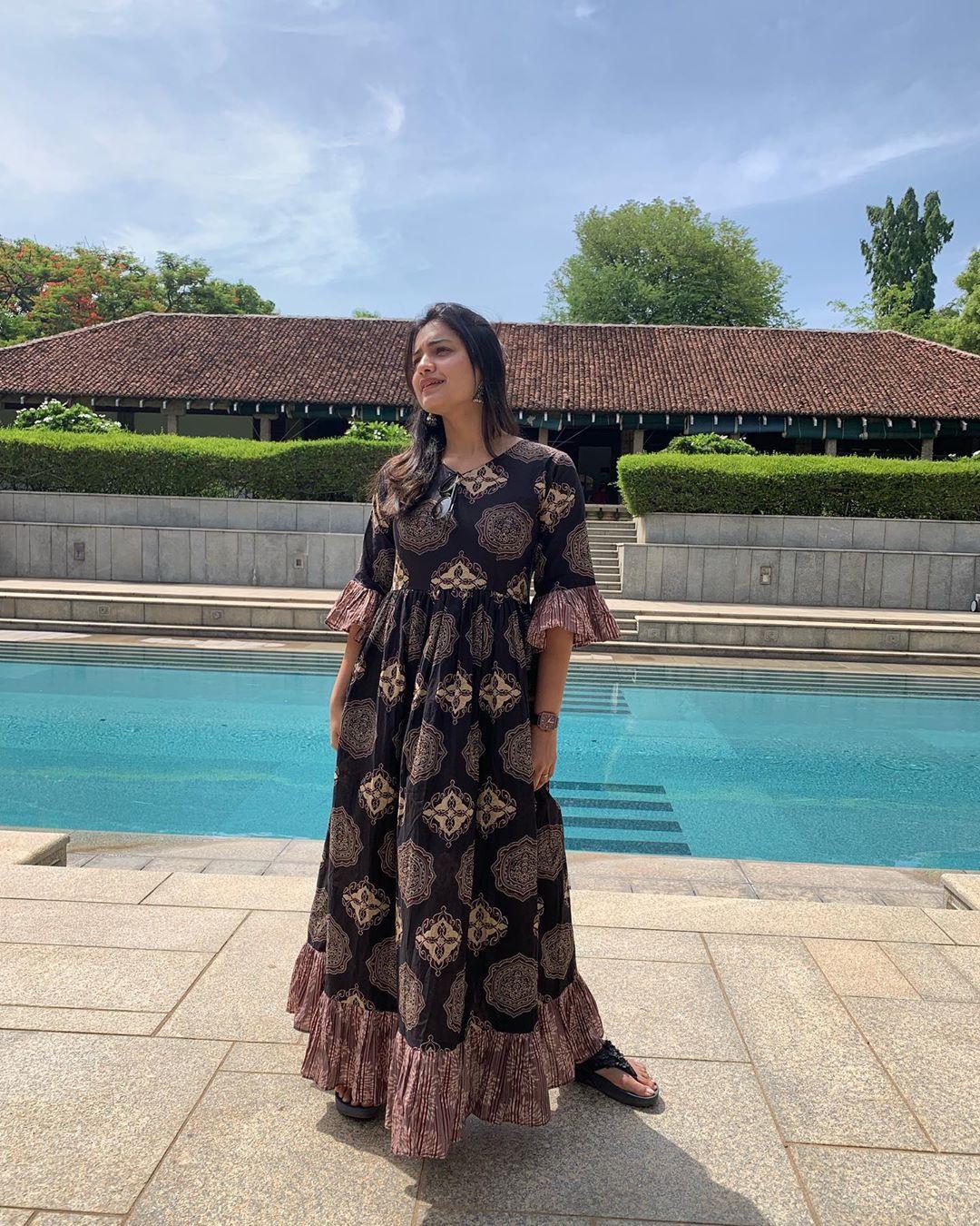 Hruta Durgule marathi actress 8