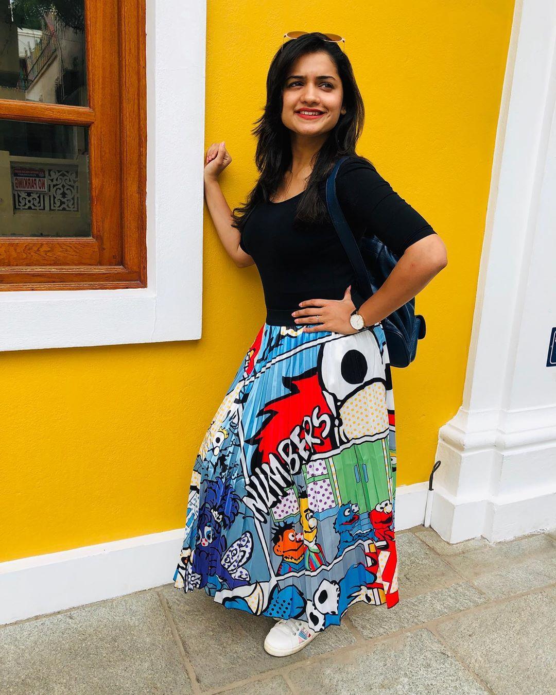 Hruta Durgule marathi actress 6