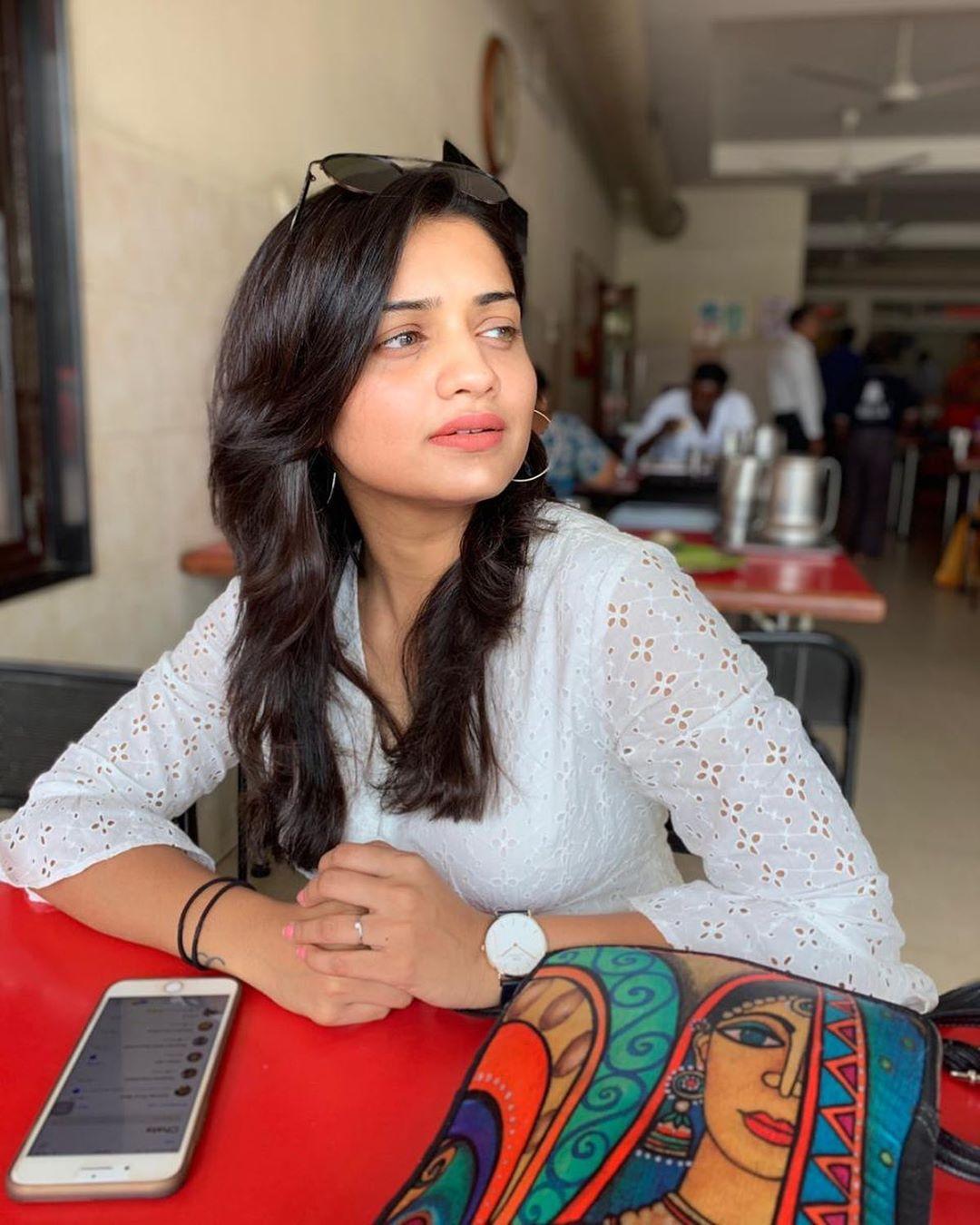 Hruta Durgule marathi actress 9