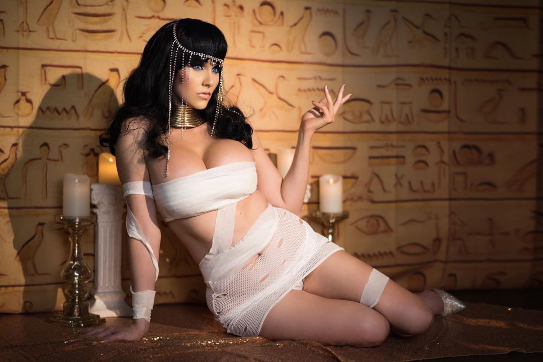 Cleopatra mummy cosplay by Angie Griffin