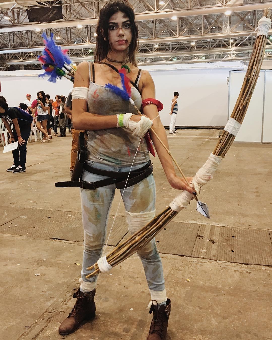 Lara Croft cosplay by Kami Ferreira