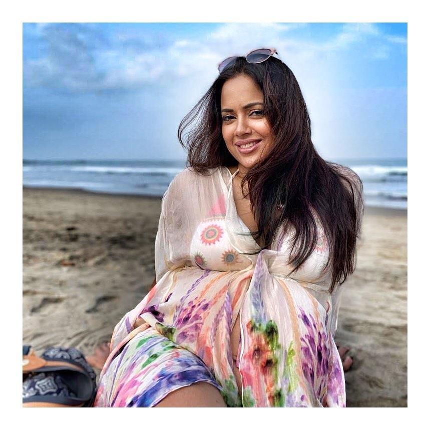 Sameera reddy bollywood actress 22