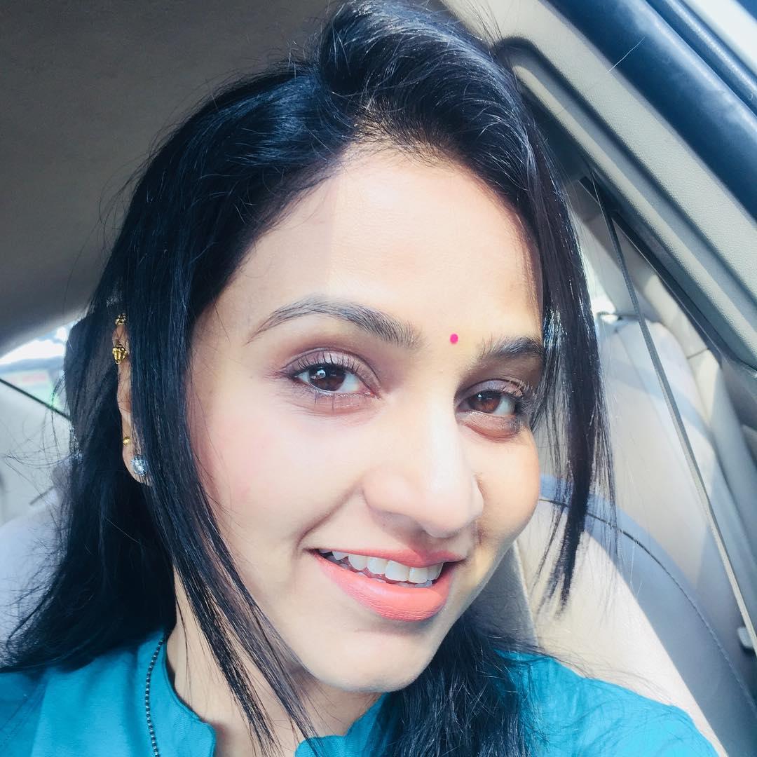 Dipti Ketkar Marathi actress 8