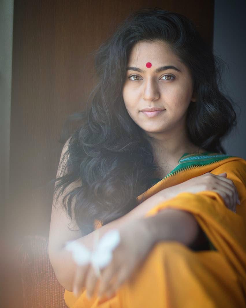 Mrunmayee Deshpande marathi actress 11